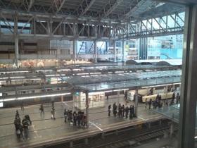 JR[大阪駅のホーム